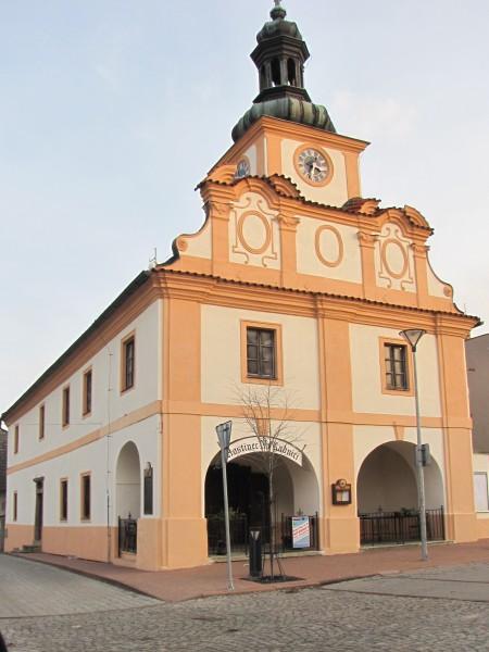 Historická budova radnice ve Stříbrné Skalici