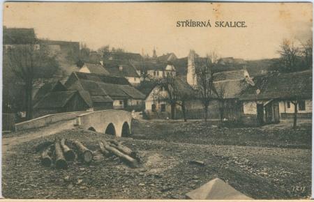 Most na pohlednici z 20. let 20. století.