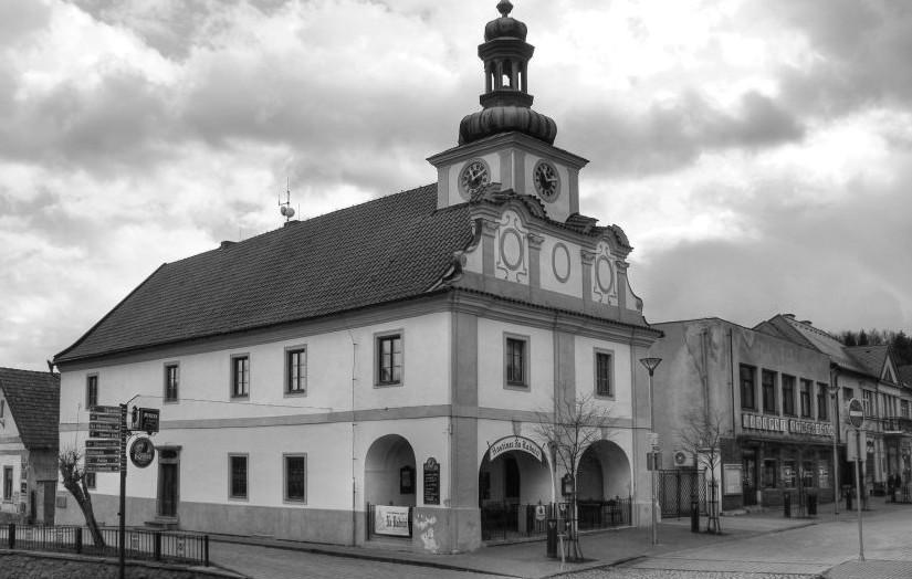 Obec Stříbrná Skalice nabízí k pronájmu restauraci Na Radnici